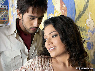 Adhyayan Suman and Amita Pathak in Haale Dil Movie