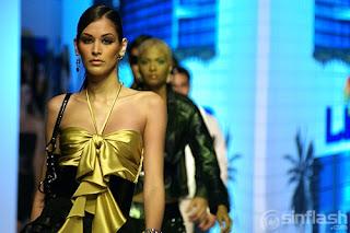 Dayana Mendoza Modeling Pic