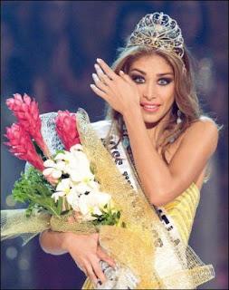 Miss Universe Dayana Mendoza Picture
