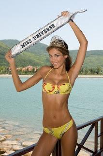 Miss Universe 2008 Dayana Mendoza Bikini Picture