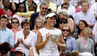 Laura Robson in 2008 Wimbledon Girls Championship