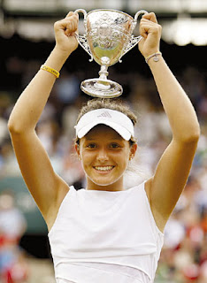 Lara Robson is 2008 Wimbledon Junior Girls Champion