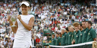 Laura Robson in Wimbledon Girls Tournament 2008