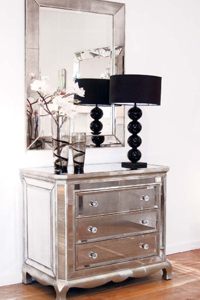 Chic Beautiful Life Dazzling Mirrored Furniture