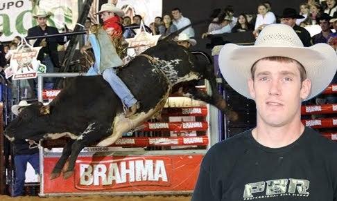 Short Go: Noite dos touros, e de Matt Werries em Rio Verde