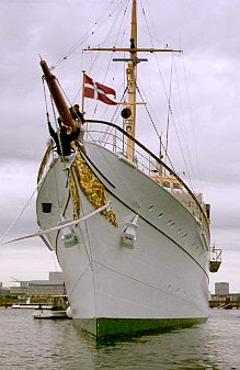 The royal yacht 1