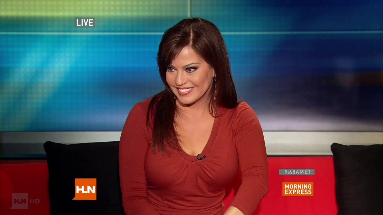 cleavage Robin meade