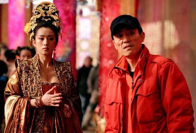 gong li and zhang yimou on set