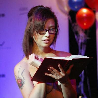 Sarah Palin look alike hot photos