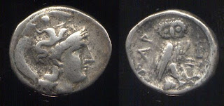 Drachma din Tarent, în Calabria, pe la 300 î. Hr.,pe când Metapontul le era aliat tarentinilor.