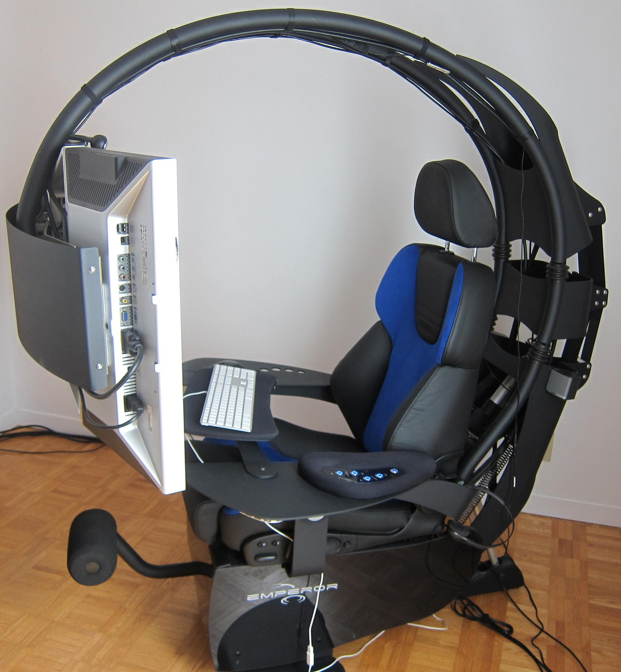 How Much Weight Can A Gaming Chair Hold High Back Ribbed Office M 39s Technology Blog Novelquest Mwelab Emperor 1510 Review