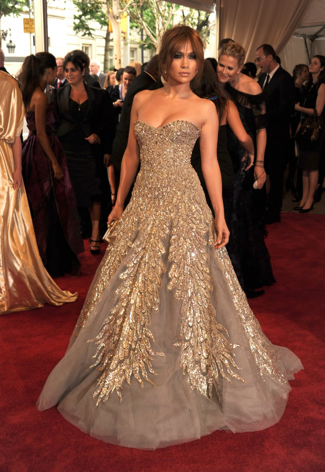 Jennifer Lopezs Sheer, Feathered Ralph & Russo Gown Will