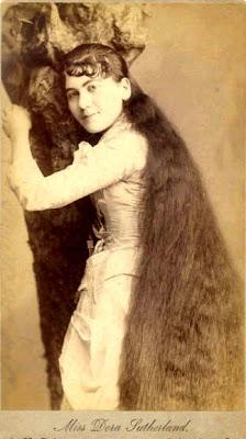 صور نادرة لصاحبات أطول شعر في العالم
