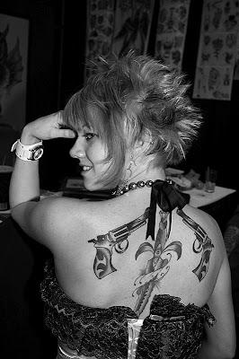 tatooed women 008