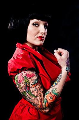 tatooed women 029