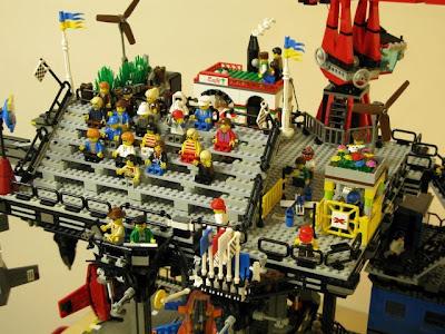 [Image: lego_crawler_town_09.jpg]