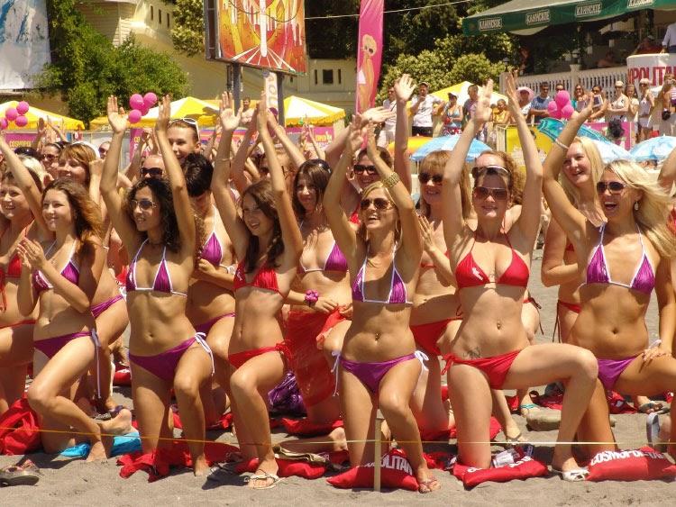 Bikini Clad Russian Women Break Guinness World Record On