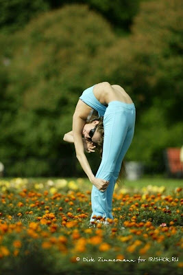 Flexible Girls 04