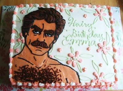 [Image: worst_birthday_cakes_02.jpg]