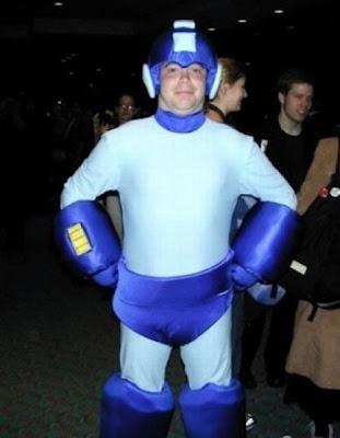 [Image: cosplay_fails_32.jpg]