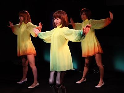 dancing robot girl 08