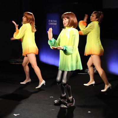 dancing robot girl 07