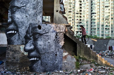 [Image: Street_Art_by_JR_23.jpg]