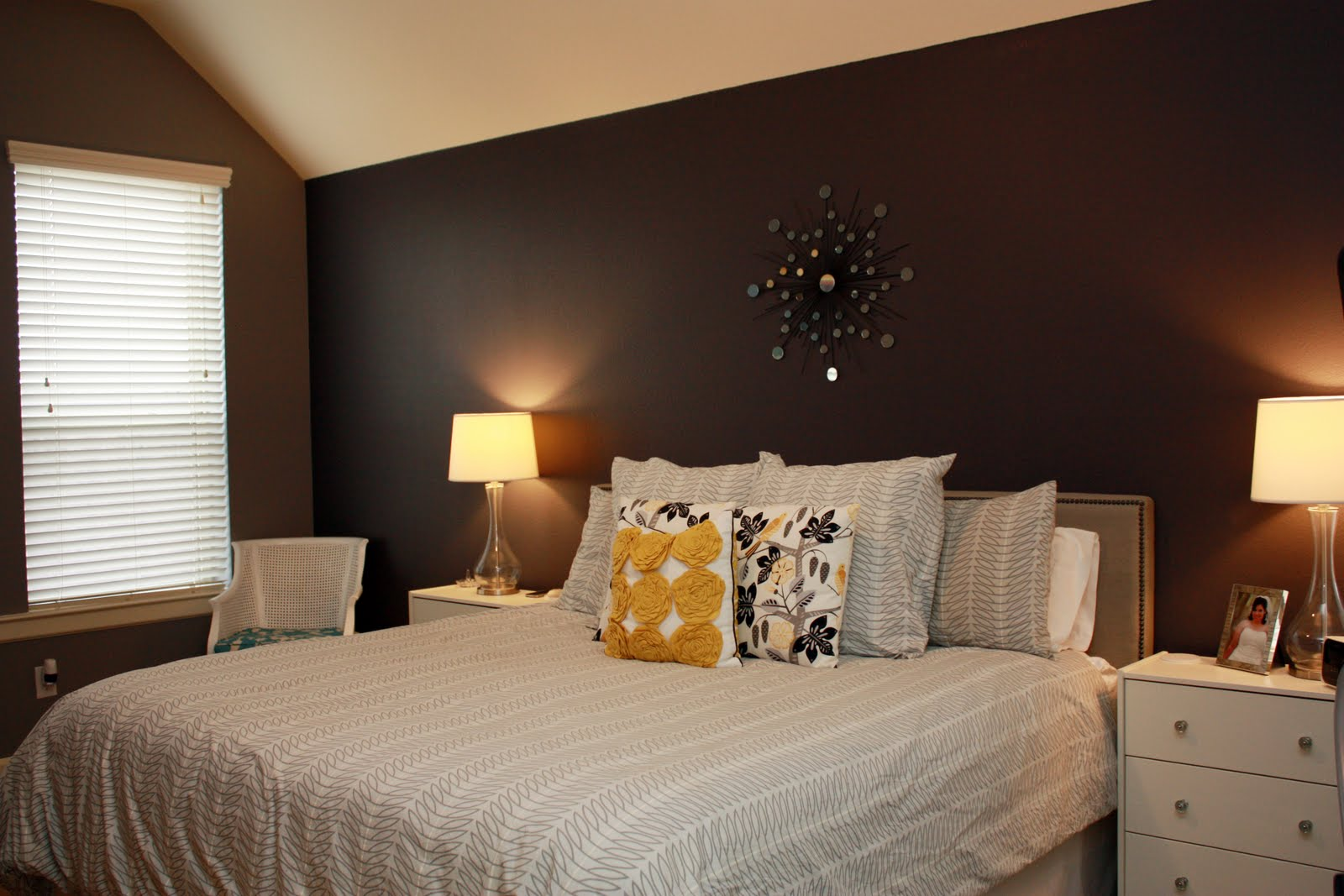 pic new posts wallpaper accent wall master bedroom. Black Bedroom Furniture Sets. Home Design Ideas