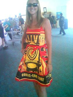 One of the stars of last year's Comic-Con: 'Smallville' bag dress chick.