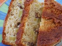 plum cake con manzanas, nueces y pasas