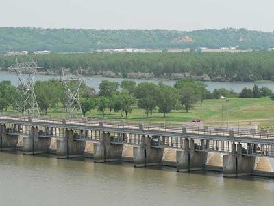 River Notes Yankton S D Clean Up May 19 2007