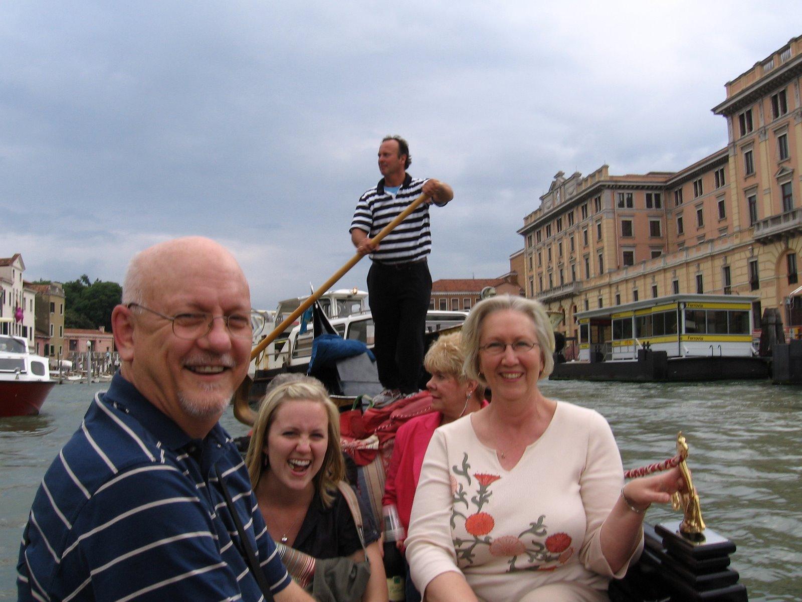 Dad,+Evan+&+Mom+on+the+gondola+in+Venice,+Italy.jpg (image)