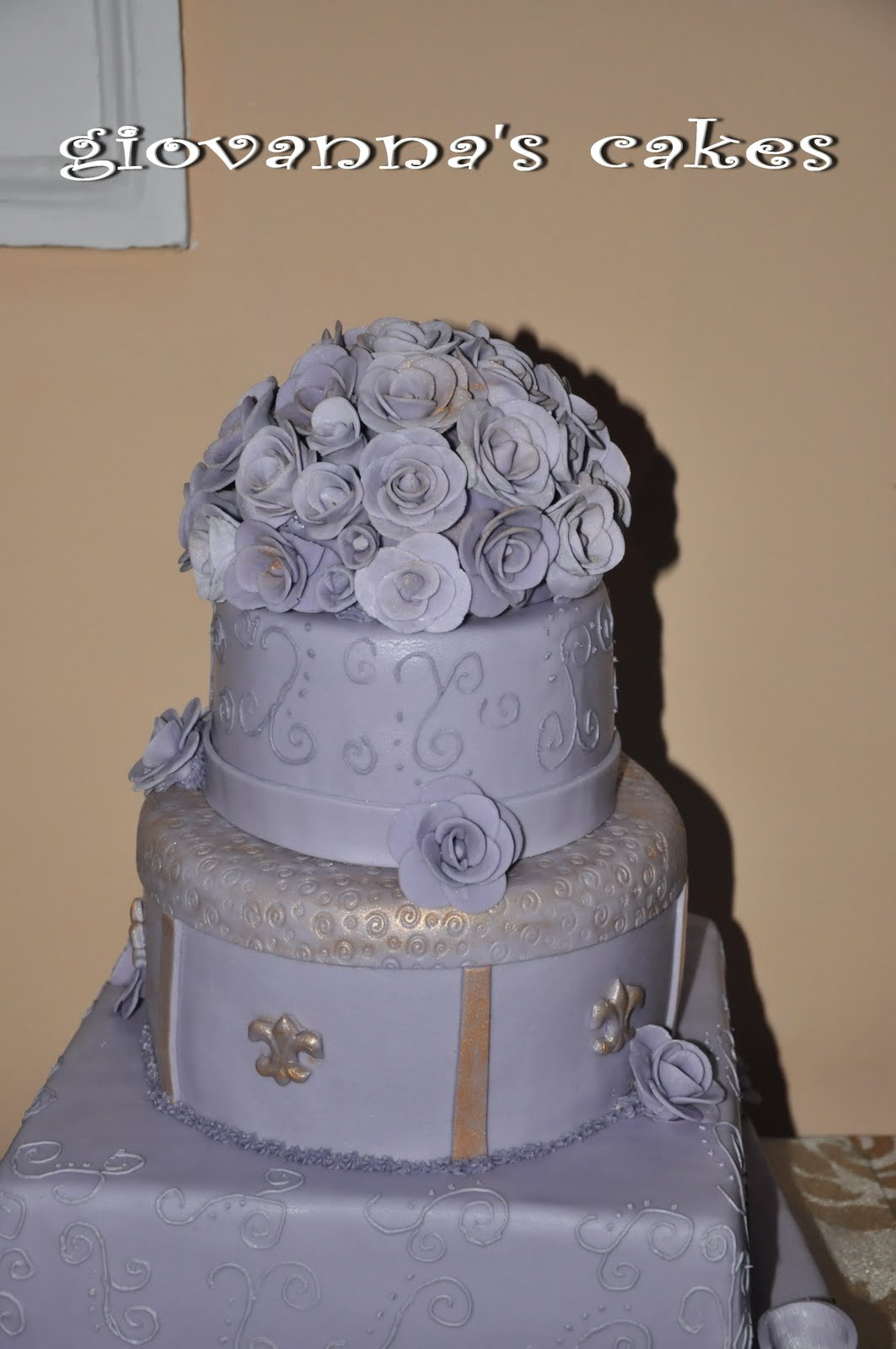 a wedding cake weighed 8 kg giovanna s cakes purple with a touch of gold wedding cake 10982