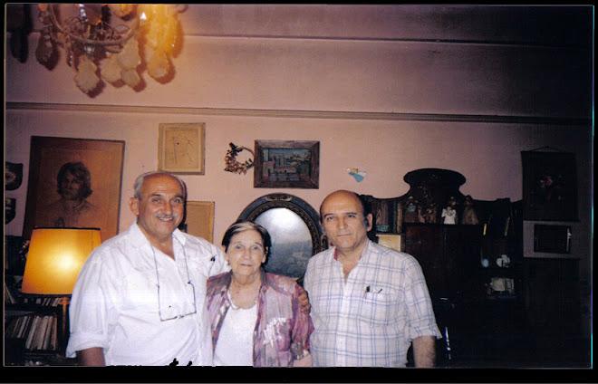 Ruth con sus hijos Alejandro y Rodolfo