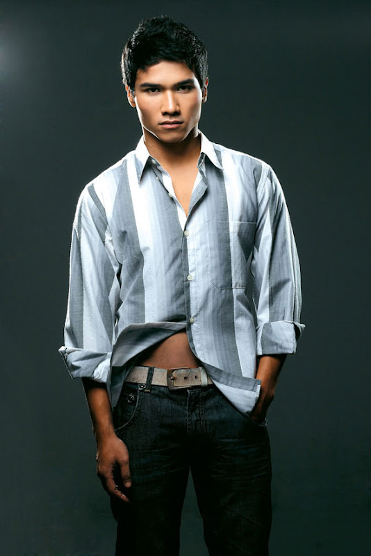 Hot Asian dudes with 6 packs abs   Hot Asian Guys - male