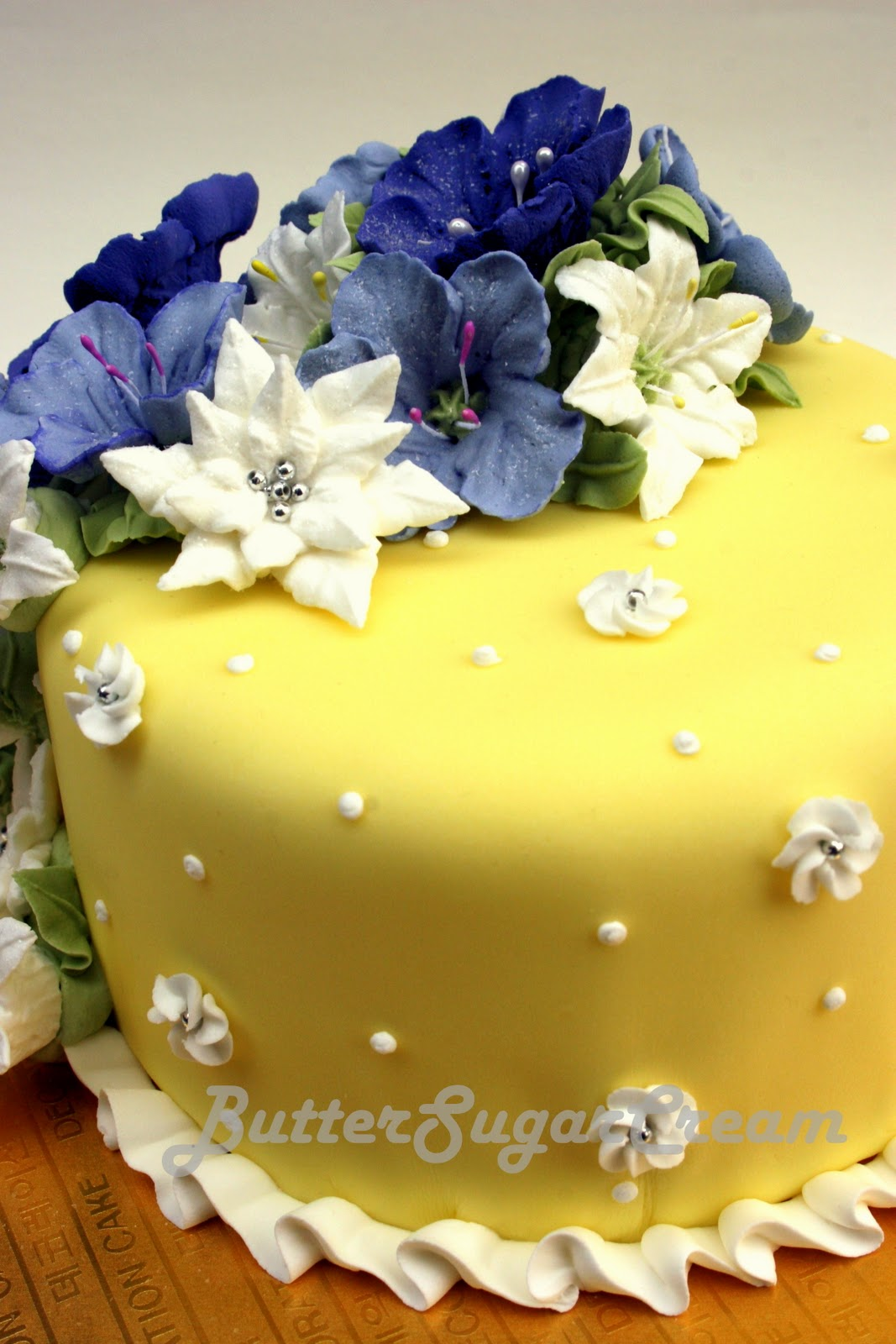 My Cake Decorating Journal: Lesson 13: Royal Icing Flowers
