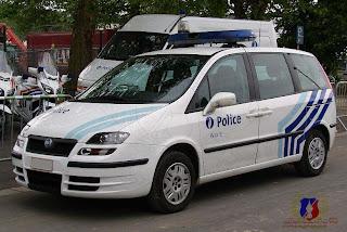 belgian police cars juin 2009. Black Bedroom Furniture Sets. Home Design Ideas