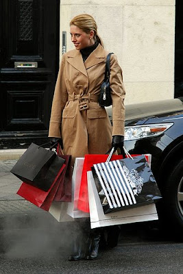 woman shopping to lose weight