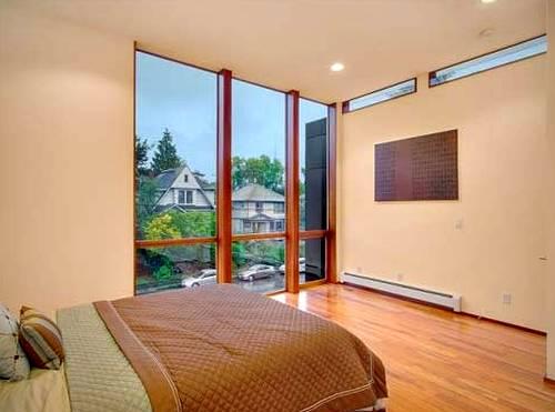 Cuarto dormitorio de la moderna residencia