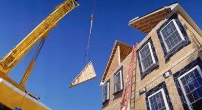 Sistema modular de construcción de viviendas, colocación del techo