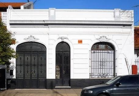 Arquitectura de casas fachadas francesas argentina for Fachadas de casas clasicas modernas