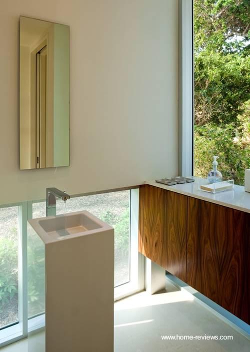 Baño Estilo Contemporaneo:Arquitectura de Casas: Baño luminoso de estilo Contemporáneo