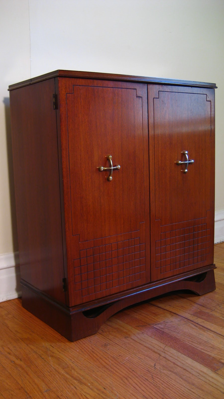 Flatout Design Deco Liquor Cabinet
