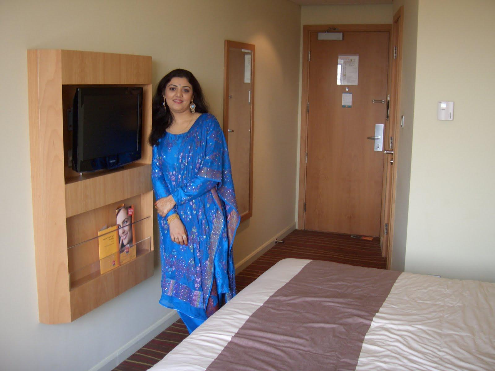 Desi Wife Share Videos