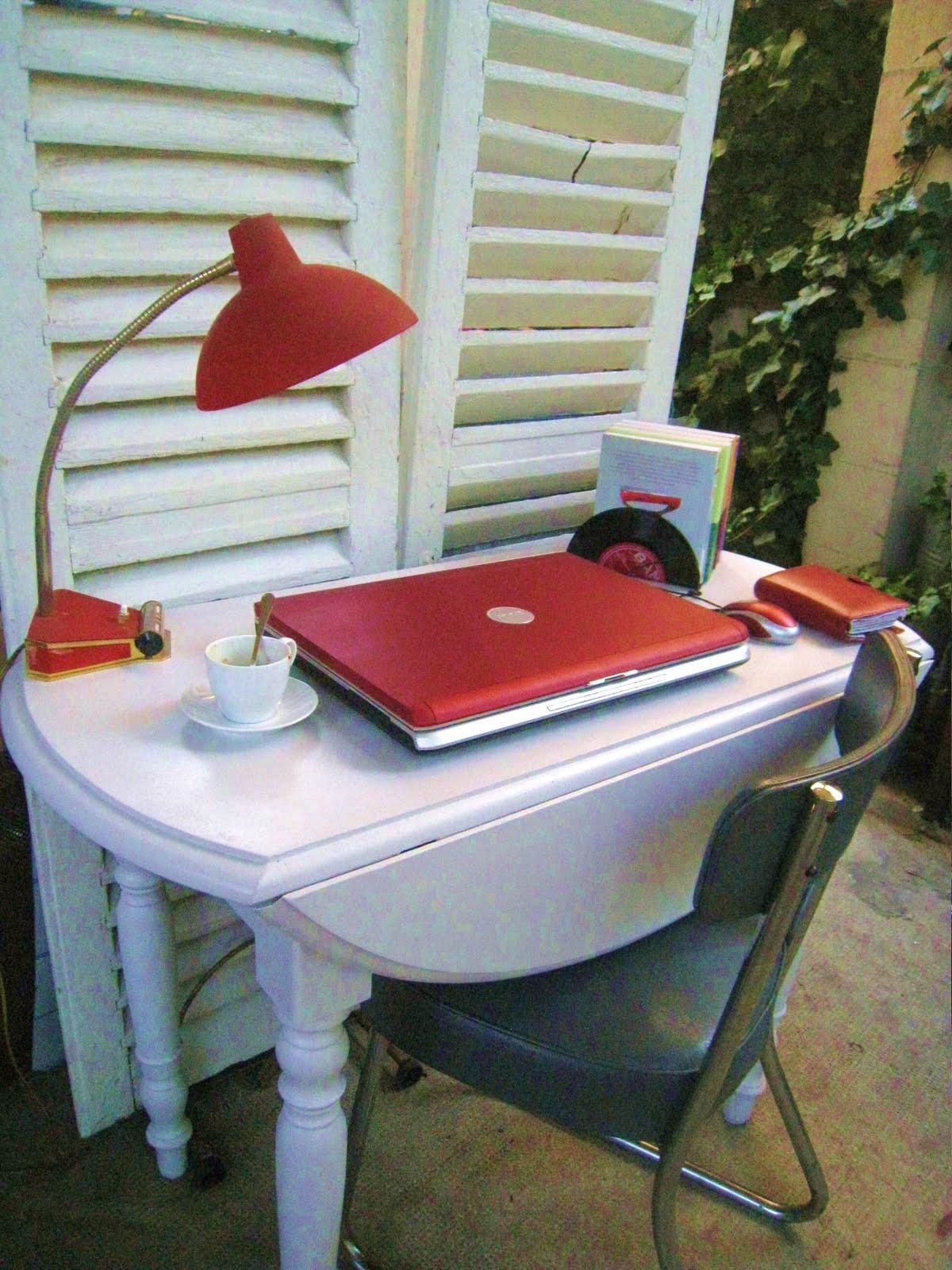 les dedees vintage recup creations table ovale ou bureau petit gris by anne. Black Bedroom Furniture Sets. Home Design Ideas