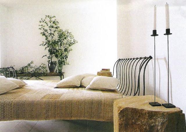 A serene sleeping spade with just the essentials, Côté Sud Oct-Nov, 2003, as seen on linenandlavender.net