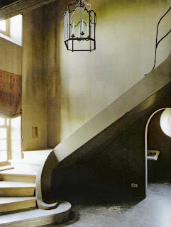 sculptural stone stairway via Côté Est as seen on linenandlavender, see full post:  http://www.linenandlavender.net/2010/11/design-daily_08.html