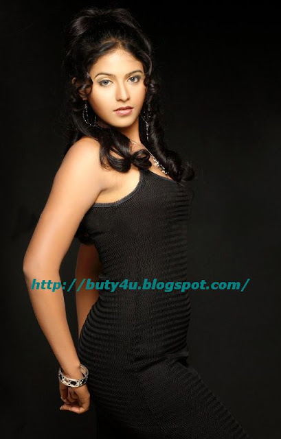 SEXY SOUTHINDIAN ACTRESS ANJALI HOT STILLS
