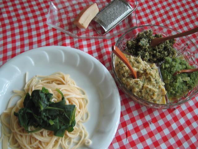 spenótos spagetti házi pestoval