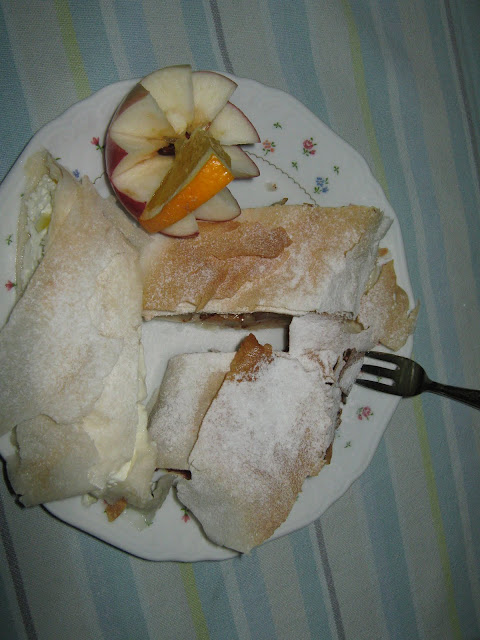 desszert ,citrusos túrós-,citromos-almás-,fahéjas szilvás rétes